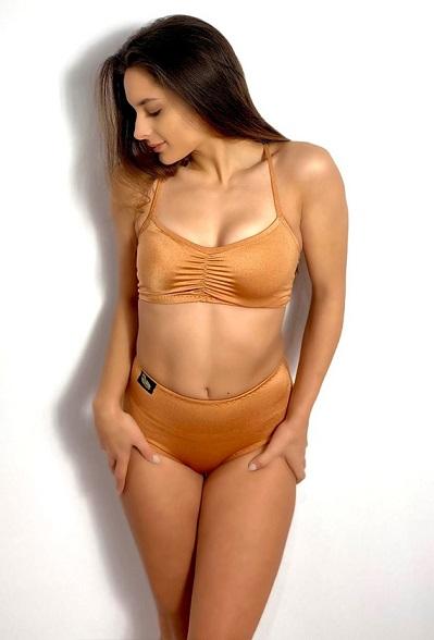 Minimalist Bronze Skin Bottom 2